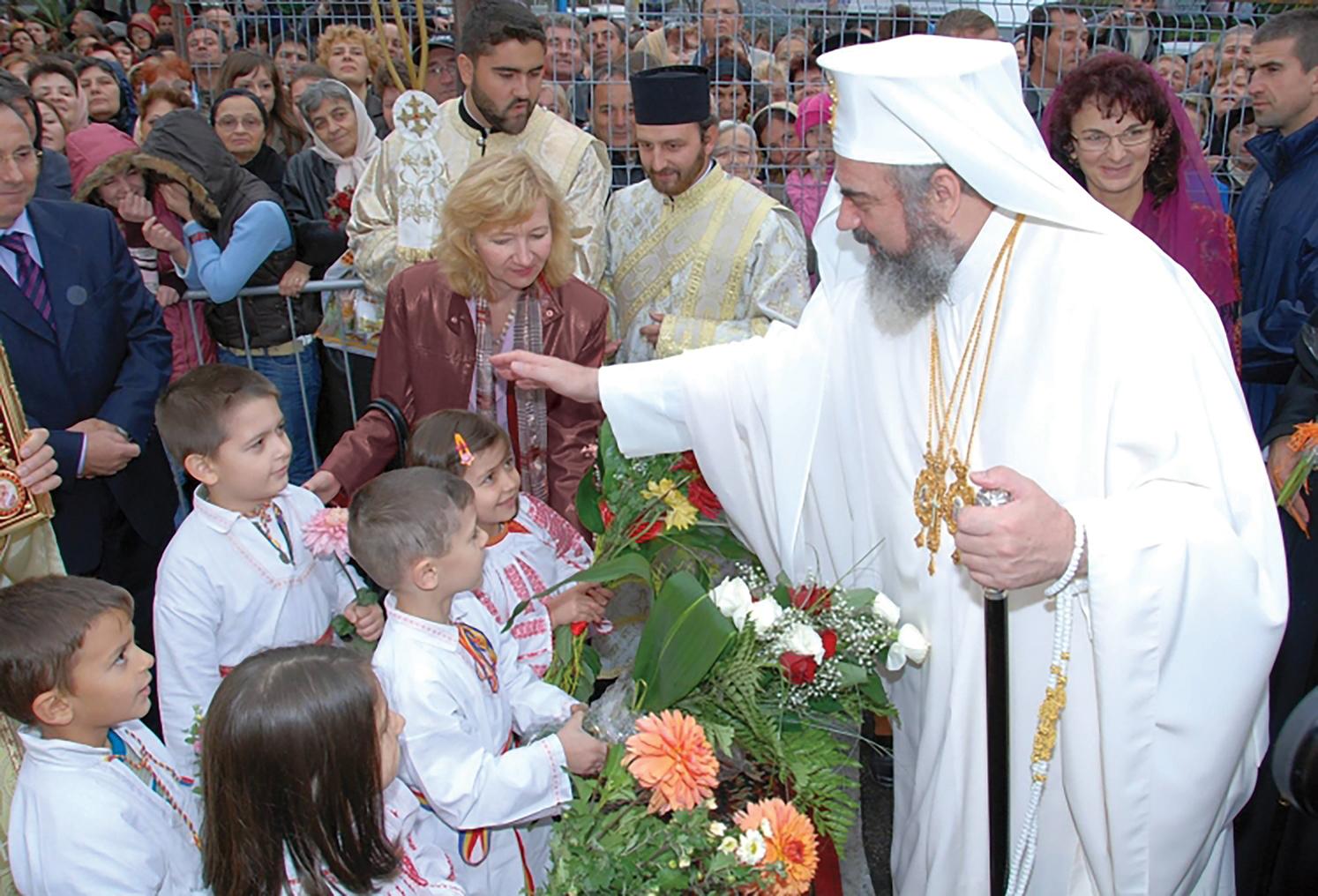 Cooperarea dintre Familie, Şcoală și Biserică în educație