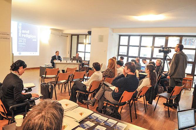 """Conferința """"Mass-media și religia"""" la București"""