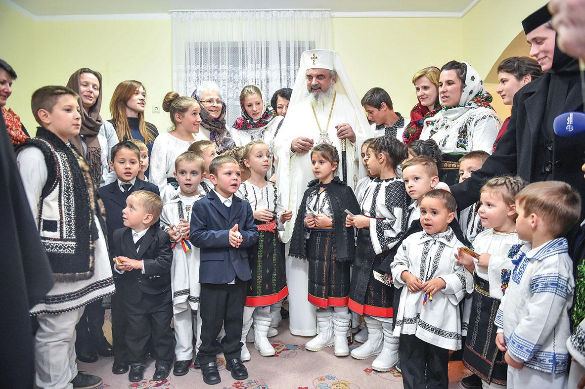 Preafericitul Părinte Daniel, Patriarhul României, a vizitat Arhiepiscopia Sucevei şi Rădăuţilor