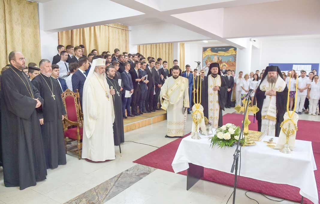 Inaugurarea Şcolii Sanitare la Seminarul din București