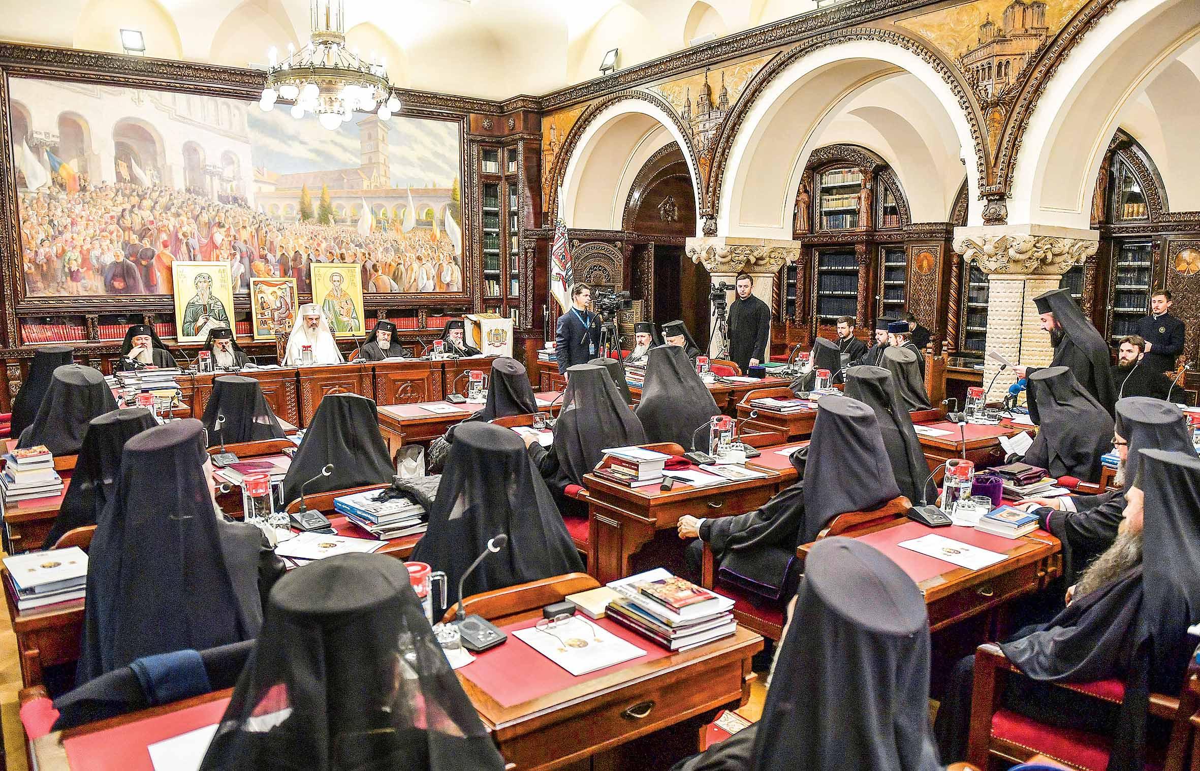 Sfântul Sinod întrunit în ședință de lucru