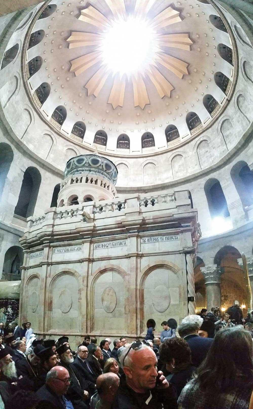 A fost inaugurat ediculul Sfântului Mormânt