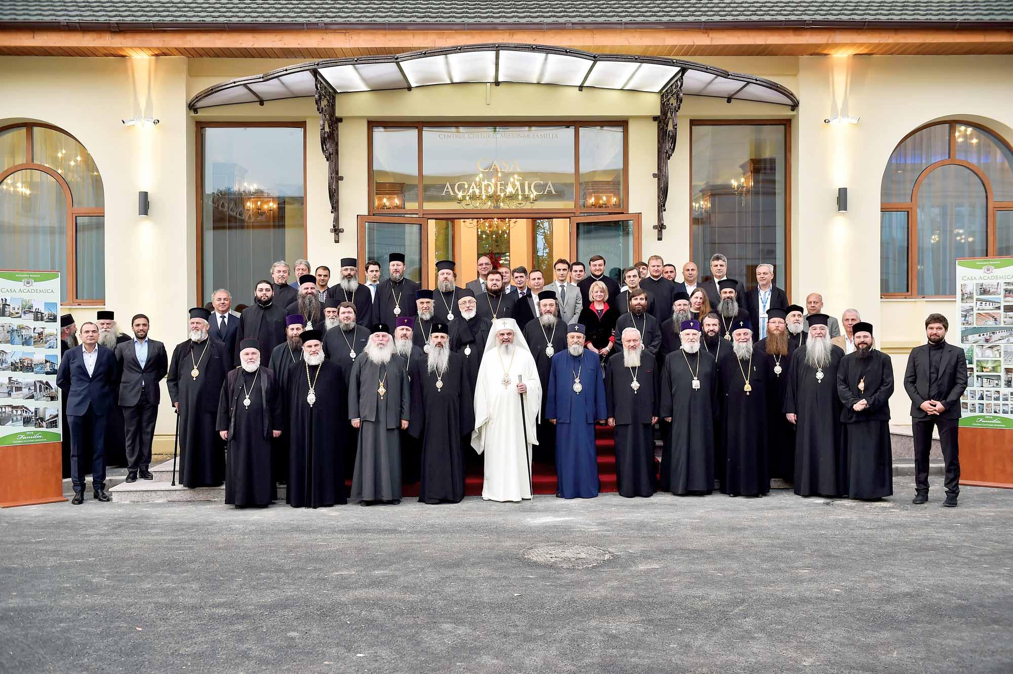 Să nu despărţim Liturghia de filantropie şi filantropia de Liturghie / Liturgy should not be detached  from Philanthropy, nor Philanthropy from Liturgy