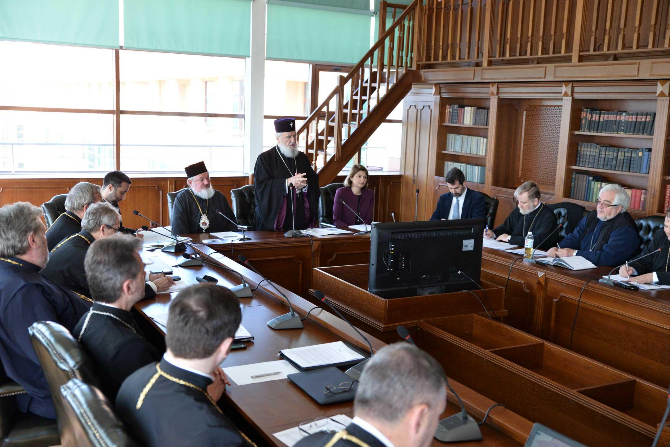 Colegiul decanilor facultăţilor de teologie ortodoxă, întrunit la Târgovişte