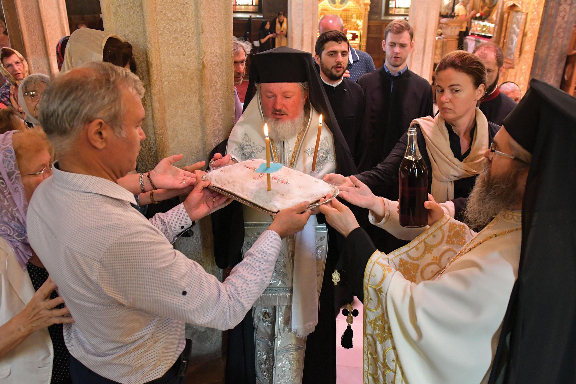 Slujbă de pomenire pentru Patriarhii Iustin și Teoctist
