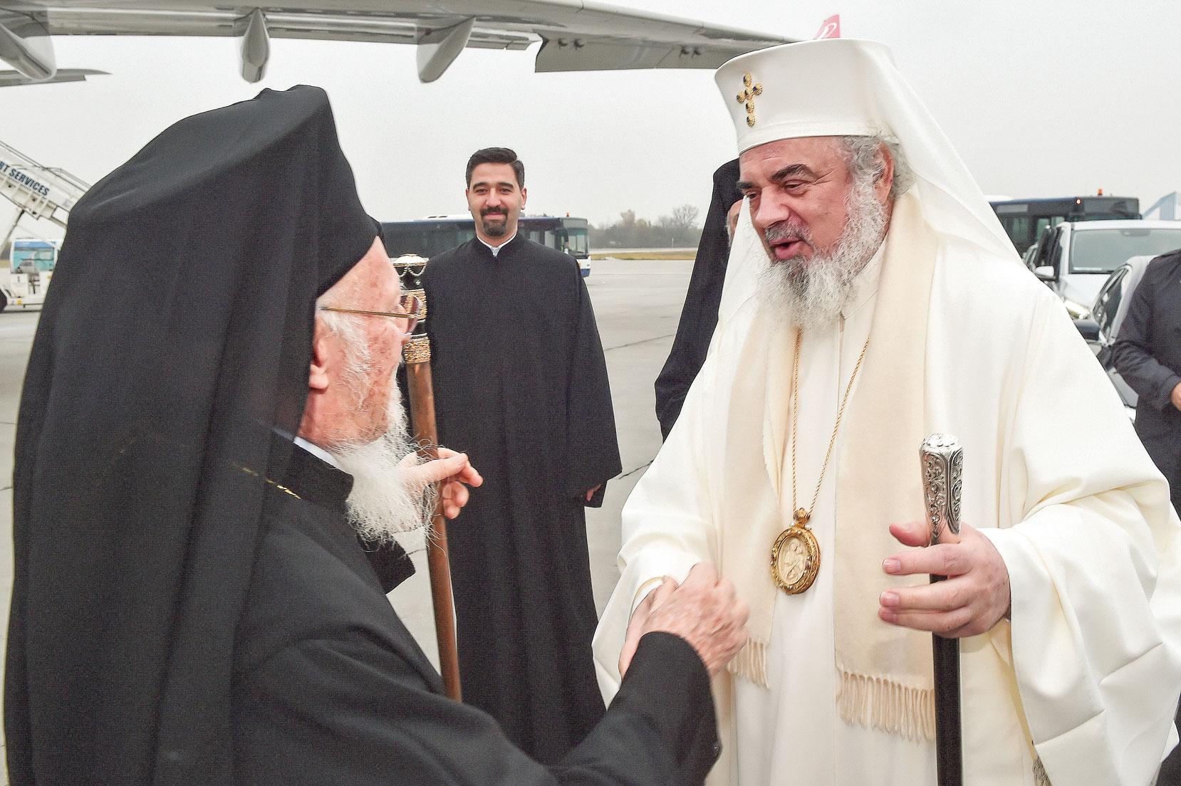 Delegațiile Patriarhiei Ecumenice și a Mitropoliei de Patra, întâmpinate în Catedrala Patriarhală