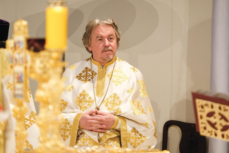 Catedrala Națională, coroana recunoștinței și a demnității