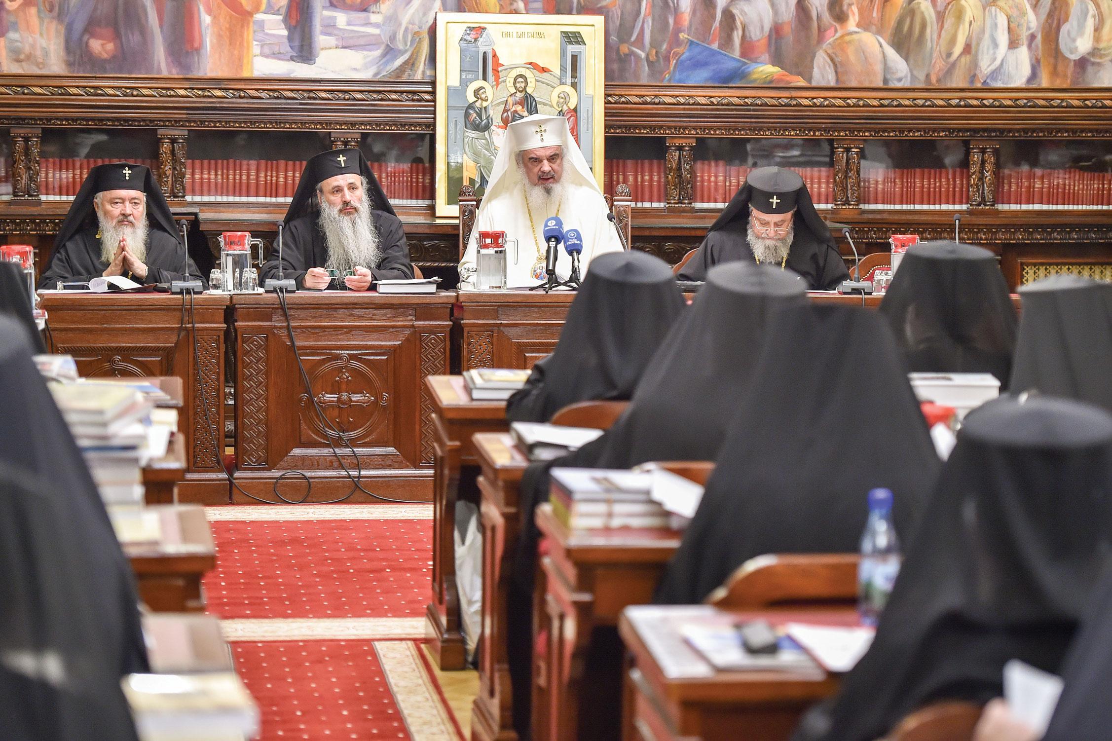 Noi hotărâri ale Sfântului Sinod