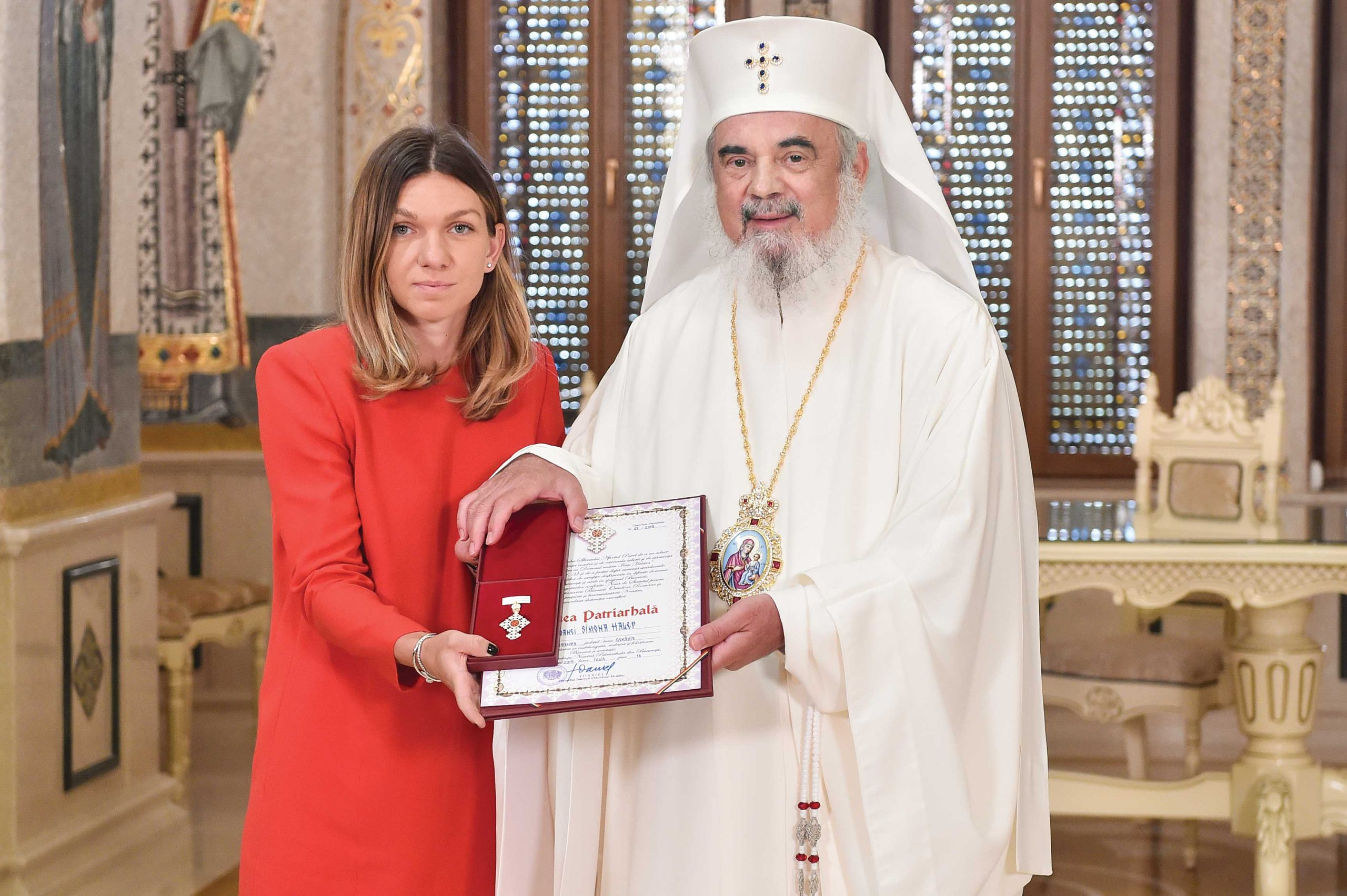 """Simona Halep a primit Ordinul """"Crucea Patriarhală"""""""