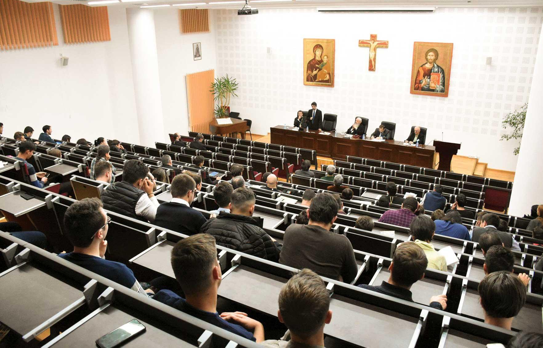 Simpozion dedicat dialogului dintre teologie, filosofie și știință la Cluj-Napoca