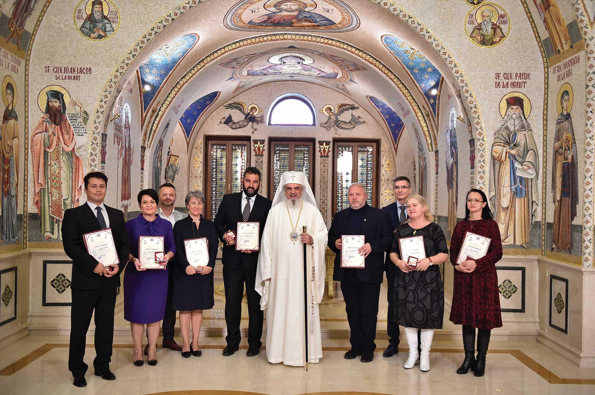 Distincţii pentru susţinătorii orei de religie