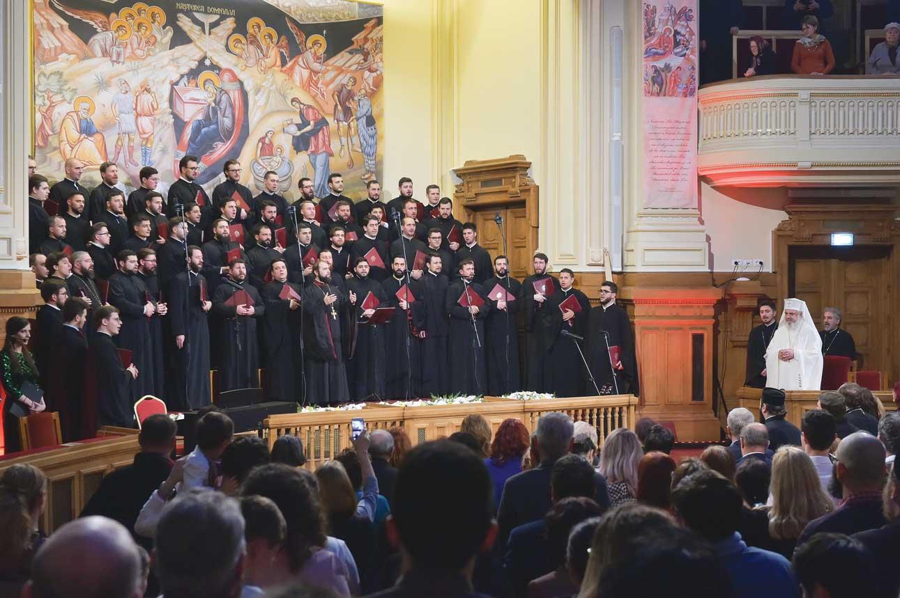 """Concertul de colinde """"Răsăritul cel de Sus"""" sub semnul Satului românesc"""