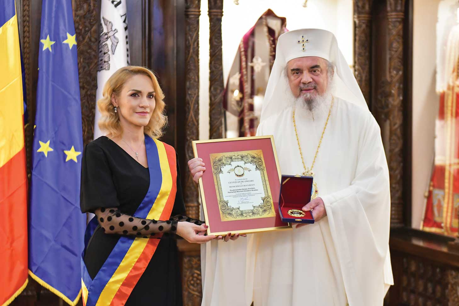 Patriarhul României a primit titlul de cetăţean de onoare al Municipiului Bucureşti