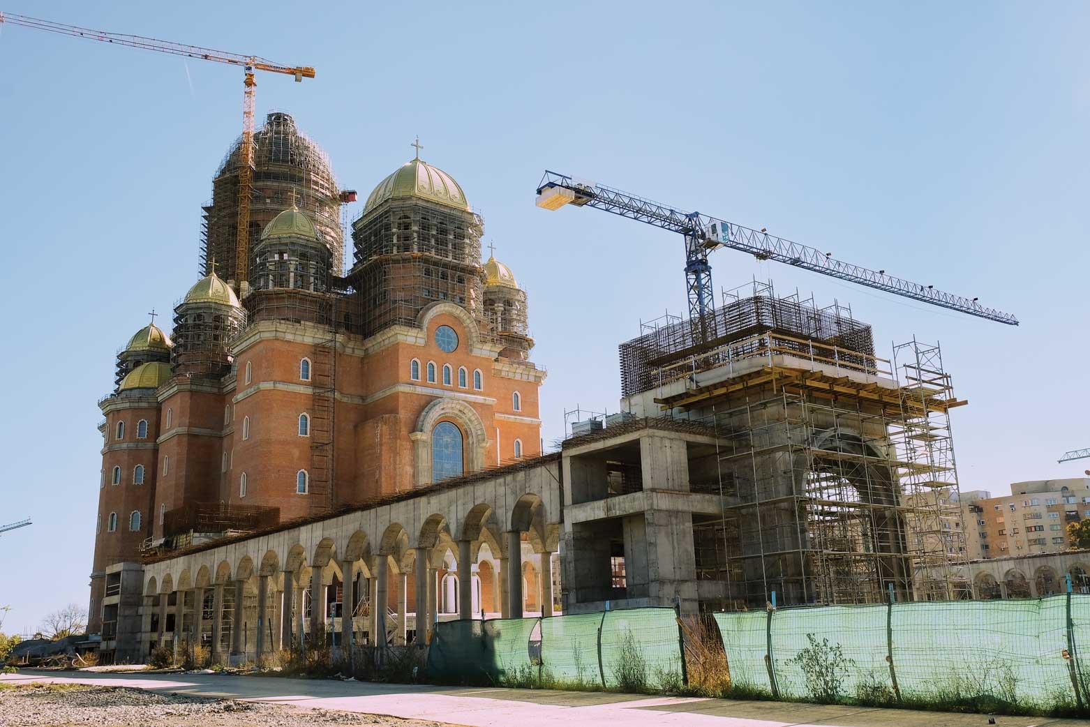Lucrări importante la acoperișul și icoanele Catedralei Naționale