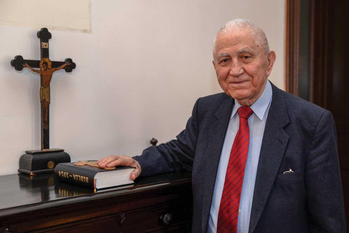 Omagiu adus profesorului Emilian Popescu la 90 de ani
