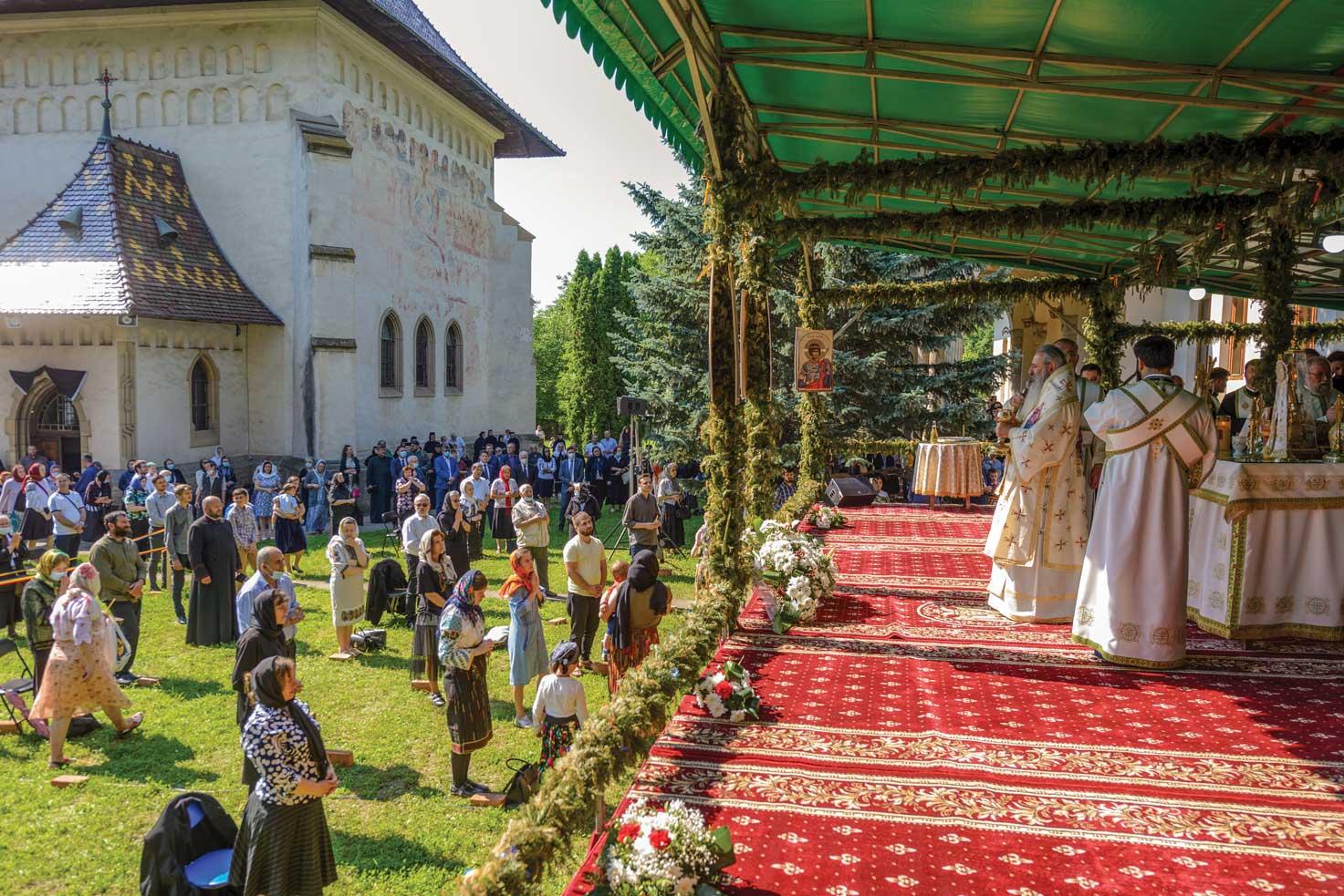 Parastas de 40 de zile pentru Arhiepiscopul Pimen Suceveanul